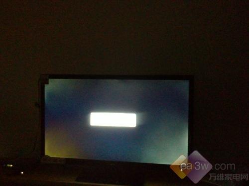 电视常识每日新知:什么是电视漏光现象?