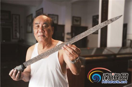 三亚7旬老人自费开文博馆 展示日军侵琼物证