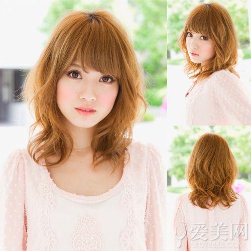 日系中长发发型图片 慵懒卷发最流行
