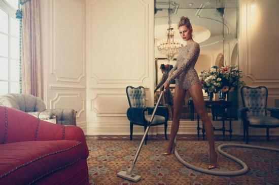 摄影师实拍豪门少妇生活 做家务都那么性感
