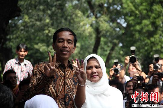 印尼总统大选速算结果揭晓 佐科威得票52%胜