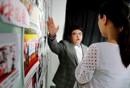 韩红称与王菲不熟 回应:我和赵薇不是天后