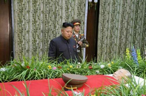 朝鲜为核计划领军人举行国葬 平壤市民悲痛