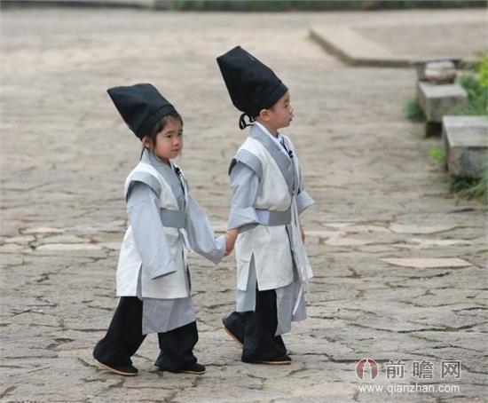 曹格陆毅演 夫妻 杨阳洋Grace 穿越 牵手照曝光图片