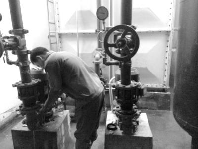 海口香庭院小区水箱漏水物业无奈停水
