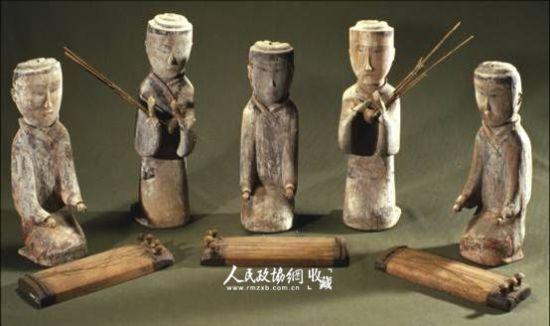奏乐木俑 湖南省博物馆