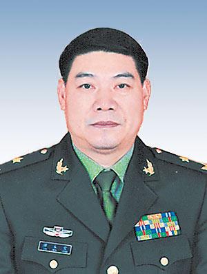 原省军区司令员谭本宏任解放军驻港部队司令员
