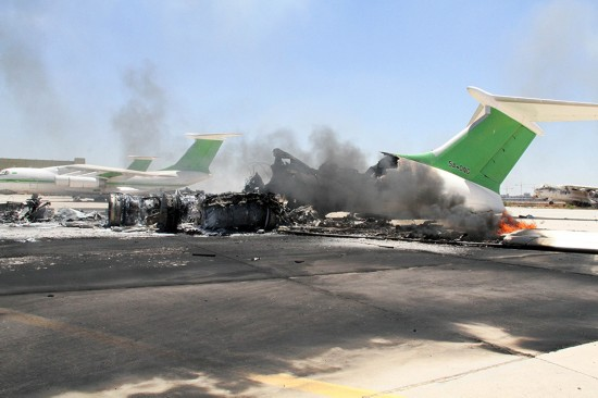 利比亚首都机场再次爆发武装冲突 客机烧毁