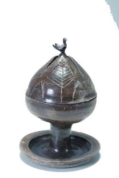 汉代褐釉瓷博山炉