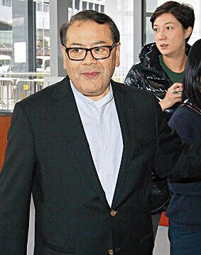 吴绮莉追68岁香港议员 主动攻击至今未收手