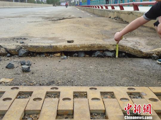 贵州纳雍:投资近亿元大桥暴雨后现异常(图)