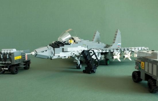 军迷的梦想 高手用乐高积木拼出大量美军空中军事装备图片