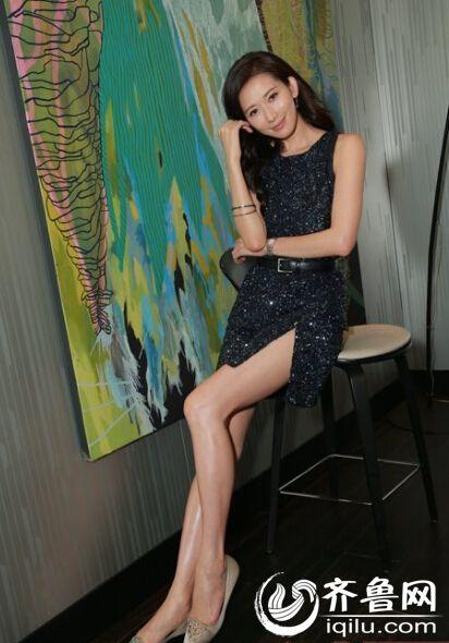 王小玮的性感诱人照_盘点娱乐圈美腿女艺人杨幂林志玲迷倒众人