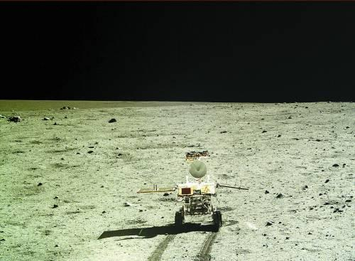 嫦娥三号副总师:玉兔行进中被石块磕碰受伤