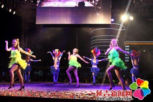 来自俄罗斯皇家歌舞团的美女们演绎激情的舞蹈