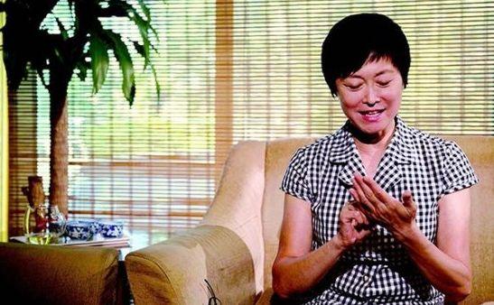 """59岁敬一丹谈""""富豪""""老公:结婚33年 从没改嫁"""