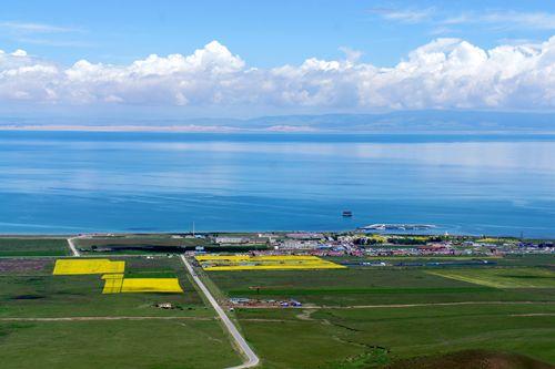 """绘制高原""""最美湖""""――青海湖四十年变化综述"""