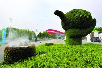 南京建邺区景观升级 青奥主题路牌亮相街头