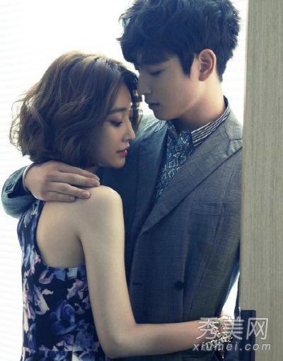 郑珍云韩国组合2am的成员,因为与高俊熙一起参演《我们结婚了》