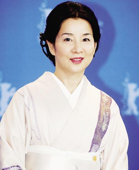 日本最美女演员票选69岁美女a美女夺冠【2】给女星脚底做v美女图片