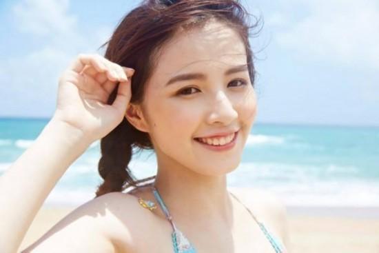 新晋宅男女神 笑容甜美似陈妍希