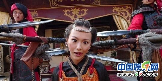 唐嫣斗鸡眼PK孙俪松鼠嘴 网扒影视剧花絮照