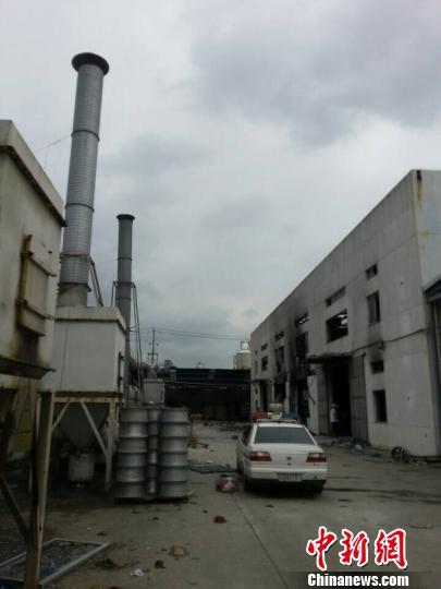 昆山爆炸工厂房顶被炸出大窟窿厂区已恢复平静