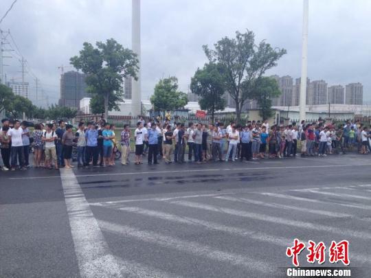 昆山爆炸事故现场已封锁江苏主要领导赴现场(图)