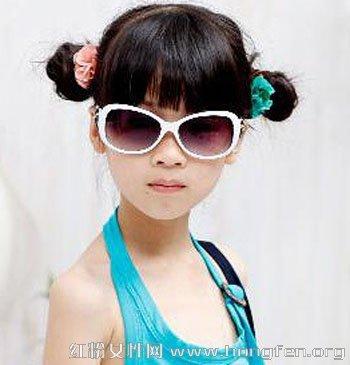 可爱小女孩如何盘发 儿童盘发发型图片图片