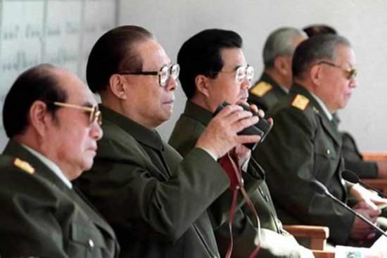 组图 盘点历届中共中央领导人的珍贵戎装照图片
