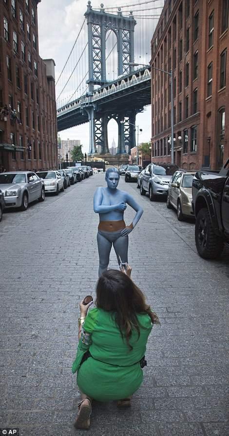 隐身于城市的人体艺术家