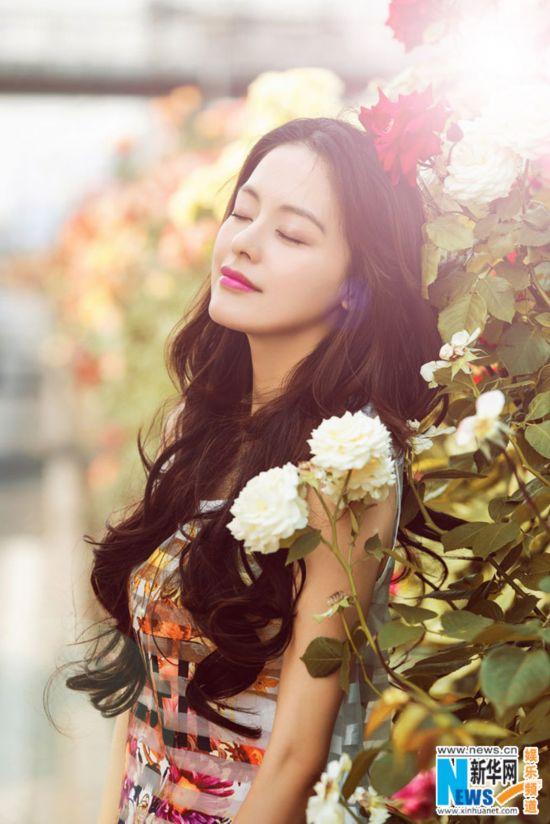 王力可绚丽花朵大片曝光 温婉优雅如花仙子(图