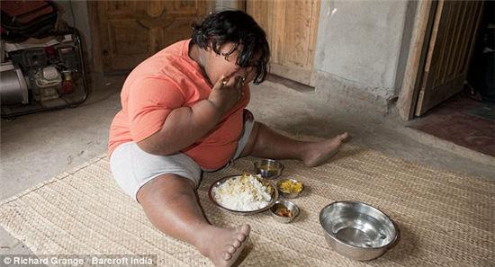 世界上最胖儿童:印度9岁女孩体重达92公斤(图)