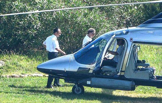 首富盖茨全家度假 租豪华游艇开直升机