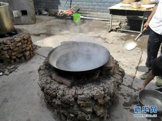 8月3日,云南省昭通市鲁甸县发生6.5级地震,目前已造成615人死亡.图片