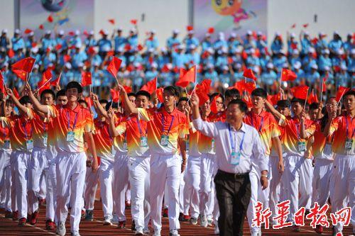 自治区第十三届运动会开幕式在克拉玛依市举行.这是克拉玛依代表