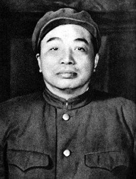 1952年春,中国人民志愿军司令员兼政治委员彭德怀在朝鲜。
