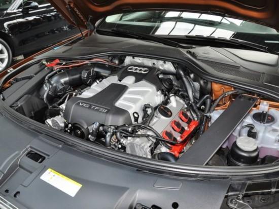 奥迪(进口)  45TFSI quattro 发动机主体特写