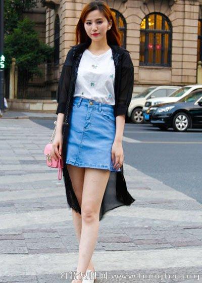 雪纺半身裙+平底凉鞋 舒适出街甜美范儿