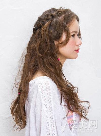 公主头编发教程,手把手教你打造出好看的长卷发扎发造型,长发mm一起图片