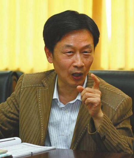鲁迅文学奖得主作诗赞李宇春 被讽打油诗