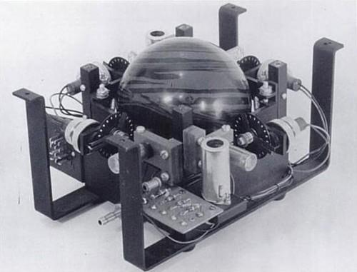 机械鼠标的内部结构图