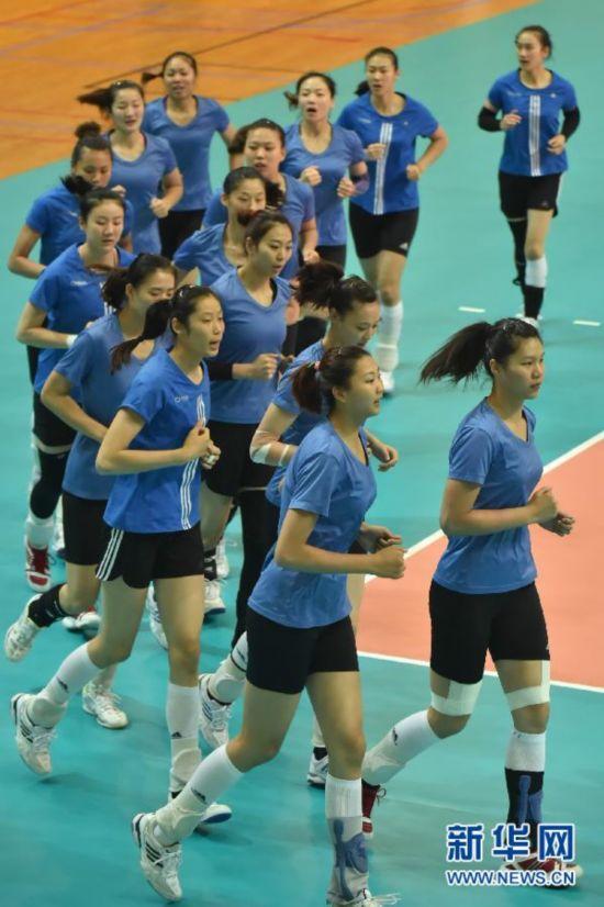 (体育)(1)排球――中国队备战世界女排大奖赛