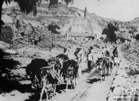 日军空袭后的延安城内情景