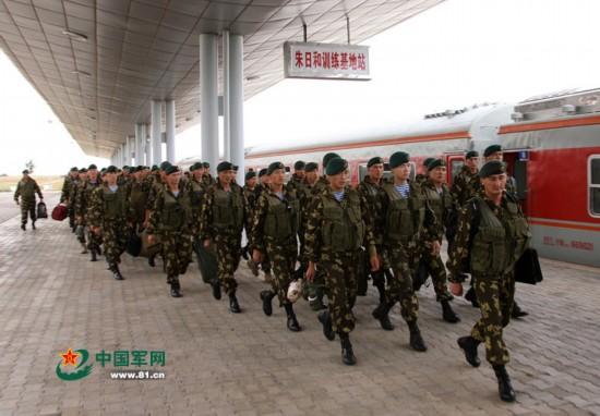 和平使命2014联合军演首批外军部队抵朱日和