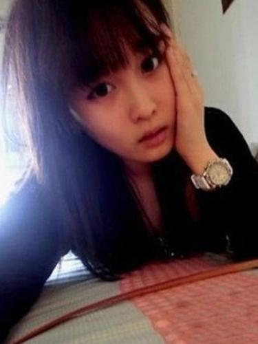 赵本山17岁女儿近照曝光 戴墨镜锥子脸非主流