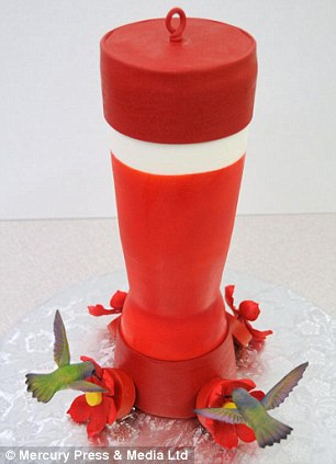巧手制作的造型逼真蛋糕受捧