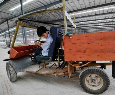 龙岩武平工人花7000元 用摩托车零件造山寨汽