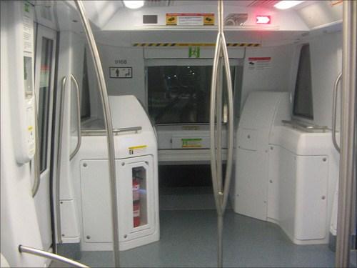 无人驾驶地铁列车将驶进燕房线 在北京燕房线最近举行的地铁高清图片