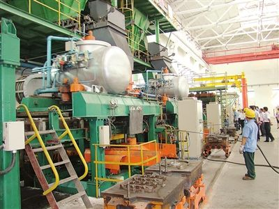 图为桂平市清隆机械制造有限公司生产车间一角.-桂平市十个重点行图片